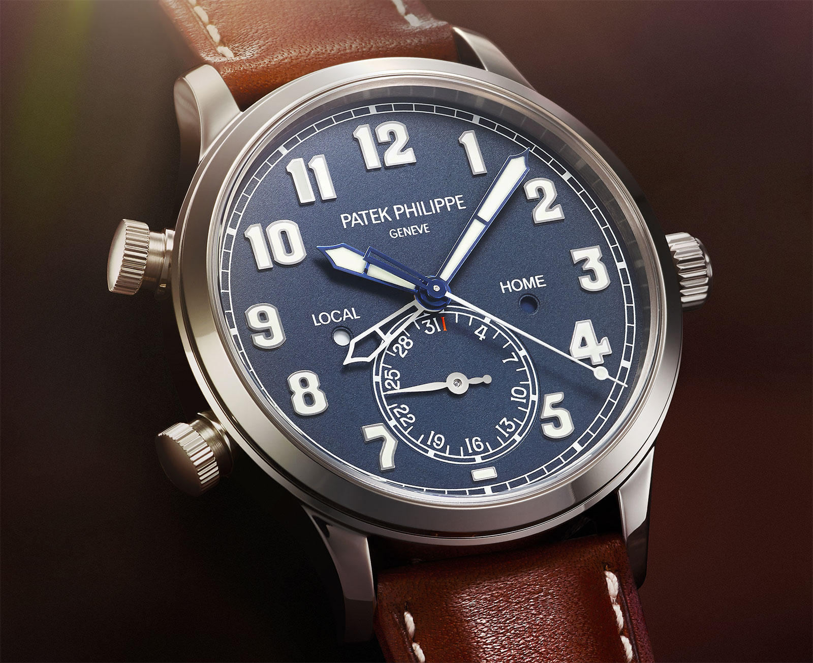 Side of Patek Philippe Calatrava Pilot Travel Time Ref. 5524 01