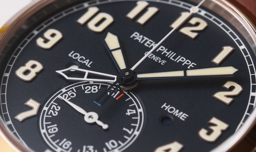 Patek Philippe Calatrava Pilot Travel Time Ref. 5524 dial
