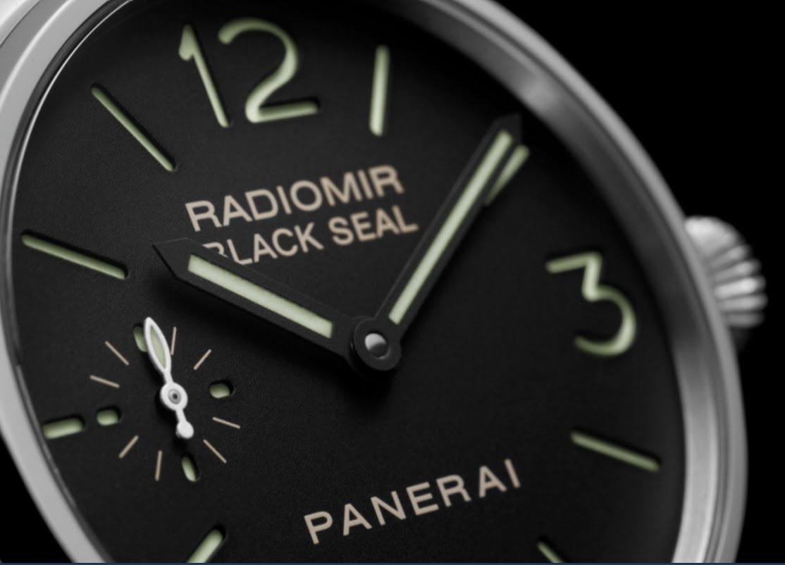 Panerai Radiomir Black Seal 8 Days PAM610 dial