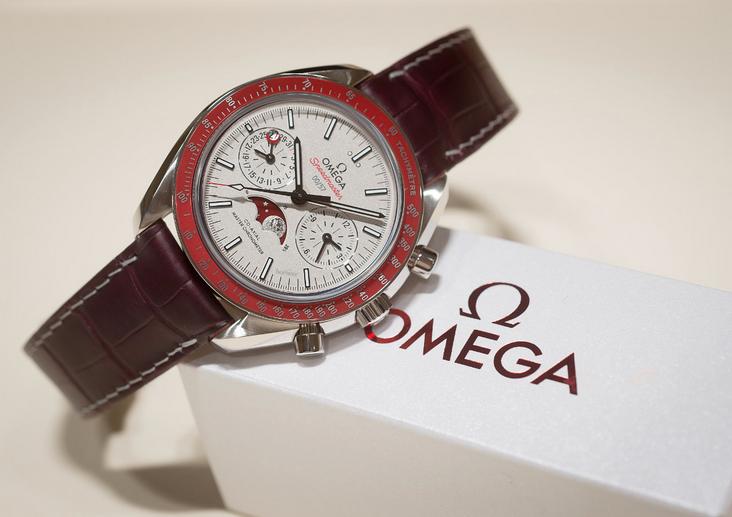 Omega Speedmaster Moonphase Co-Axial Master Chronometer Platinum