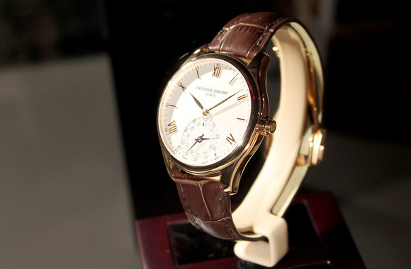 horological-smartwatch-frederique-constant-100570414-large