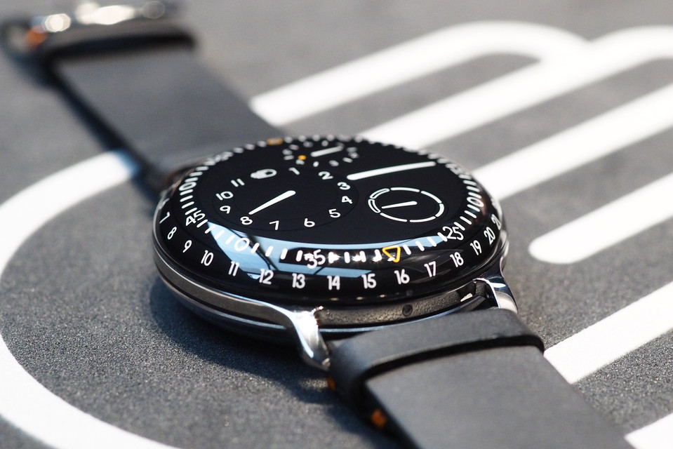 RESSENCE_TYPE_3_FRONT_NIGHT-thumb-660x607-26830