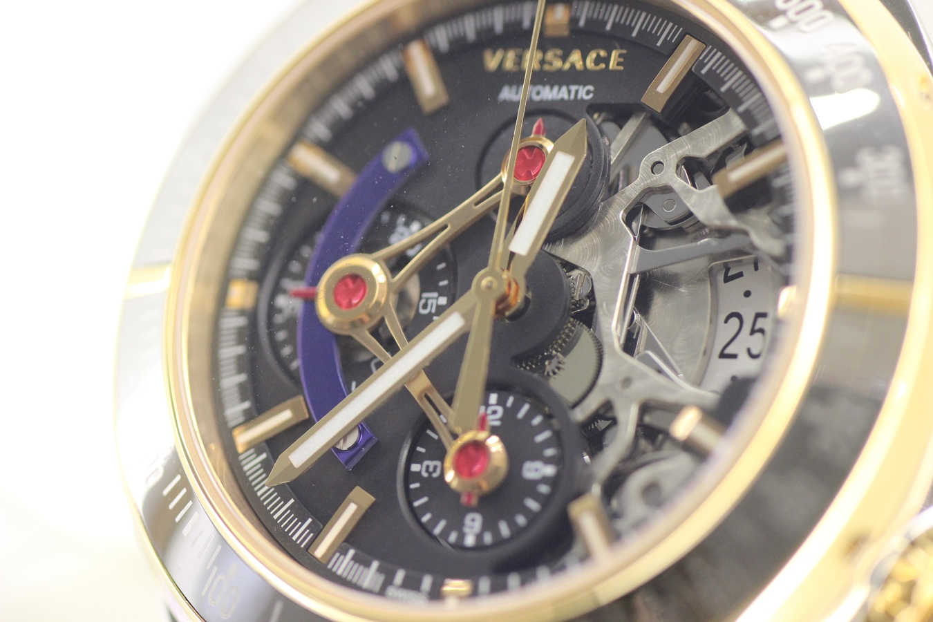 Amazing Versace Wristwatch Plated With Rose Gold