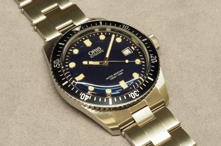Side of Oris Divers Sixty-Five 42MM 02
