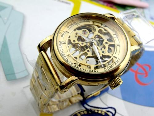 gold-skeleton-watch